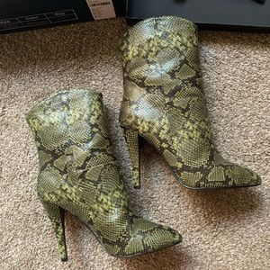 LPA Green snake print boots 6.5 New in Box 💚 🐍